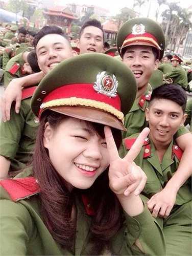 Ước mơ của Ánh Nguyệt là trở thành một nữ chiến sĩ cảnh sát môi trường giỏi.