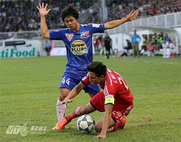 Họ thua liên tiếp Than Quảng Ninh 1-2 trên sân nhà, thua XSKT Cần Thơ 1-3 trên sân khách. (Ảnh: Minh Trần)