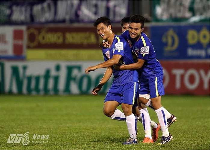 Vòng 12 Đông Triều cứu HAGL thoát thua trước QNK Quảng Nam. (Ảnh: Minh Trần)