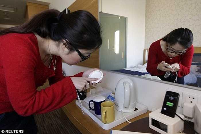 Tách trà uống nước được Zhuang kiểm tra