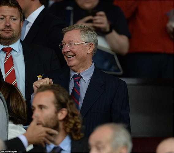Sir Alex Ferguson xuất hiện trên khu VIP sân Old Trafford để chứng kiến đội bóng cũ trở lại Champions League