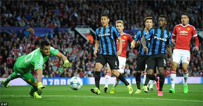 Bàn thua khiến Man Utd chơi chuệch choạc trong những phút đầu