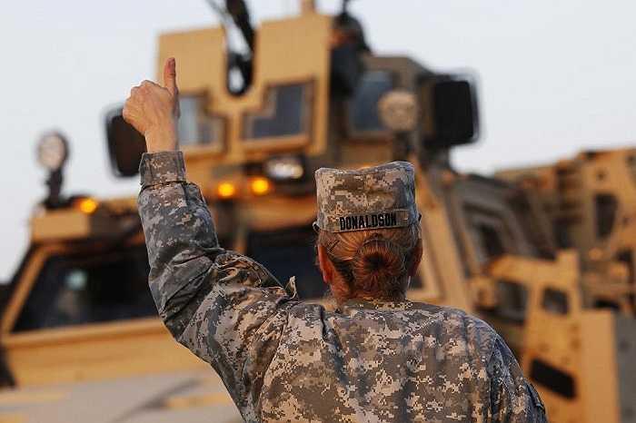 Hình ảnh những 'bóng hồng thép' của quân đội Mỹ