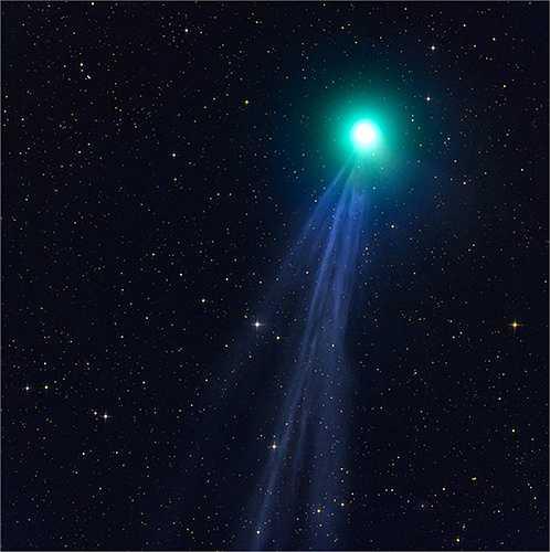 'Niềm đam mê của tôi trong 3 năm qua là săn hình ảnh của những ngôi sao chổi, một trong những thách thức lớn nhất trong lĩnh vực chụp ảnh thiên văn', ông tâm sự.