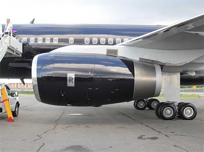 Gói tour này do TBS World Travel tổ chức. Chuyến du lịch đầu tiên trên 'Khách sạn bay' Boeing 757-200 khởi hành tháng 2 từ Orlando tới Peru, Chile, Australia, Ấn Độ, Jordan trong 23 ngày,giá 117.000 USD/khách