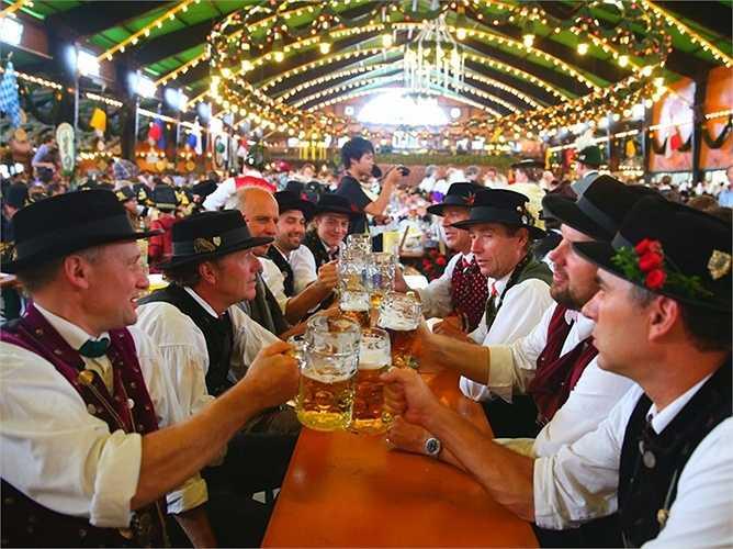 14. Munich - thành phố thứ hai của Đức trong danh sách xếp hạng trong khu vực châu Âu, là quê hương của lễ hội Oktoberfest nổi tiếng.