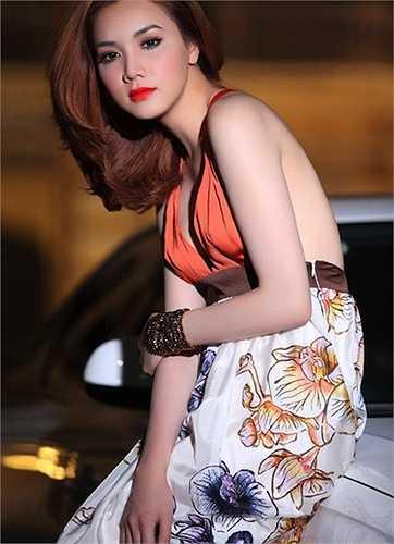Vẻ đẹp quyến rũ, gợi cảm của Trang Nhung khi chưa lập gia đình.  (Nguồn: Dân Việt)