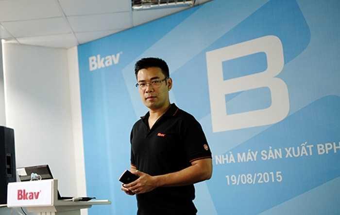 Bạch Thành Lê, Phó Chủ Tịch Bkav tuyên bố Bphone chỉ có 500.000 đồng giá trị Trung Quốc và khẳng định đây là chất xám của Bkav - Bphone là chiếc điện thoại Made in Việt Nam