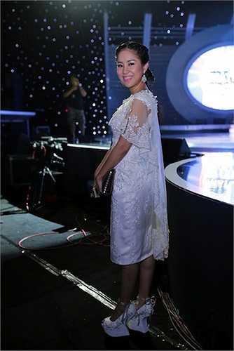 Cũng như nhiều phụ nữ khác, Lê Phương dành nhiều thời gian để làm đẹp, chỉnh trang nhan sắc để lấy lại niềm vui trong cuộc sống.