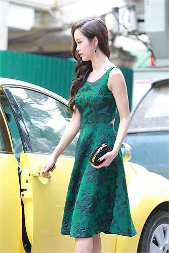 Xuất hiện tại Hà Nội trong sự kiện ra mắt nhãn hàng thời trang của NTK Trang Cherry, Vũ Ngọc Anh lôi cuốn mọi ánh nhìn bởi vẻ ngoài xinh đẹp quyến rũ.