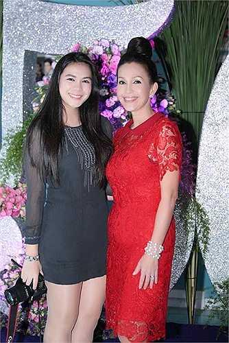 Thùy My - con gái của Nữ hoàng ảnh lịch Diễm My sở hữu chiều cao và nhan sắc không thua kém mẹ.
