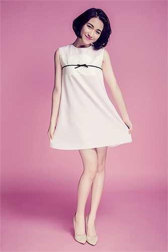 Không ngừng thay đổi, Hoà Minzy sẽ tiếp tục cho ra mắt một sản phẩm âm nhạc sôi động, trưởng thành khi kết hợp với một trong những nhà sản xuất mát tay của Việt Nam hiện nay. Mọi bí mật sẽ được hé lộ vào cuối năm 2015.  (Trung Ngạn)