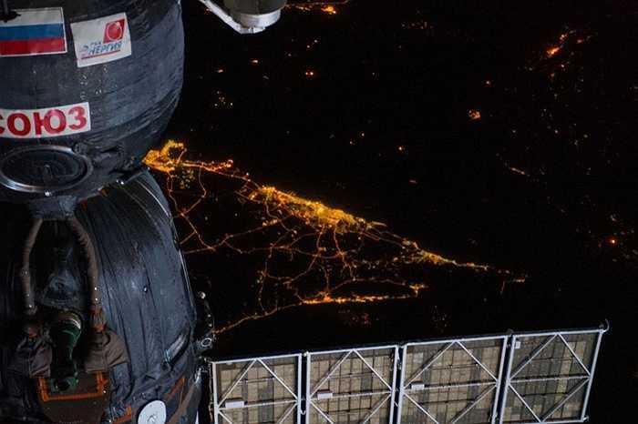 Buổi tối ở Các Tiểu Vương Quốc Ả Rập thống nhất