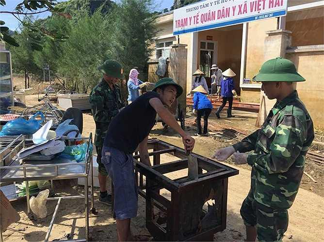 Lau rửa, sửa chữa đồ đạc, vật dụng cho nhân dân.