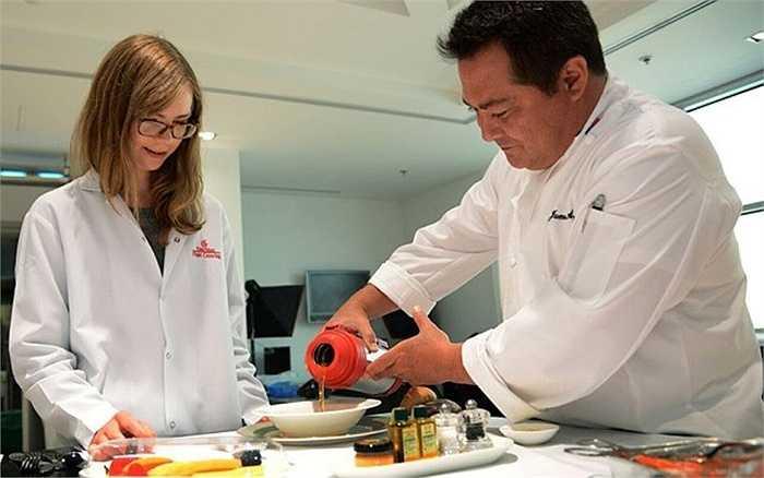 Nhà máy chế biến thực phẩm của hãng Emirates dự tính sẽ nâng công suất lên 260.000 suất ăn/ngày vào năm 2020.