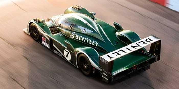 Bentley Speed 8 Le Mans Protoype: Không phải là một chiếc xe siêu sang Bentley, mẫu xe thể thao này mới là hoa hậu trên đường đua. Thiết kế như một siêu xe trong tương lai, chiếc xe có thể đến và đi nhanh như một cơn gió.