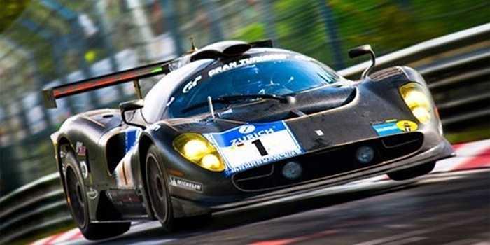 Ferrari P4/5 Competizione: Chiếc xe này vừa thể hiện khả năng xuất sắc trên đường đua, đồng thời vừa có thể xuất hiện trên đường phố. Một mũi tên Ferrari chạy trên đường với thiết kế của một chiếc xe đua thứ thiệt luôn thu hút mọi ánh nhìn.