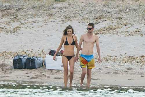 Cặp tình nhân vừa đi nghỉ mát với nhau