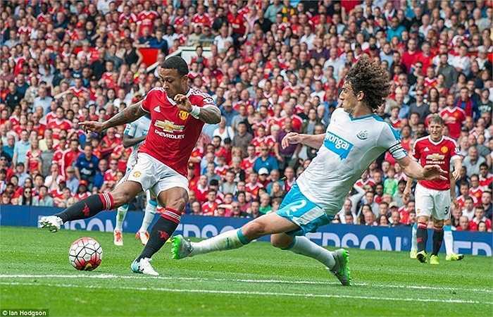 Áp lực dành cho Rooney, Depay và các đồng đội ngày càng tăng
