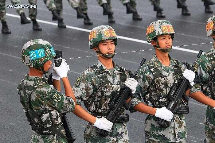 Các nhà chức trách Trung Quốc yêu cầu 19,000 cơ sở sản xuất và xây dựng tạm ngừng hoạt động để phục vụ buổi lễ duyệt binh