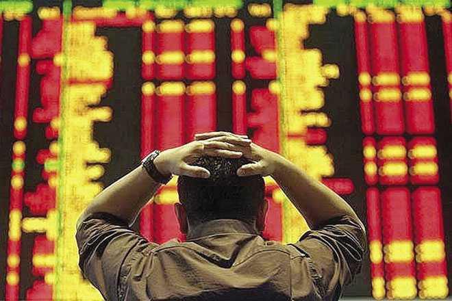 56.592 tỷ 'bay' khỏi thị trường chứng khoán Việt