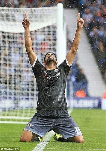Sau đó, Pedro còn kiến tạo để Diego Costa lần đầu tiên được ăn mừng ở giải ngoại hạng năm nay