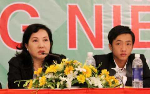Bà Nguyễn Thị Như Loan và con trai Nguyễn Quốc Cường