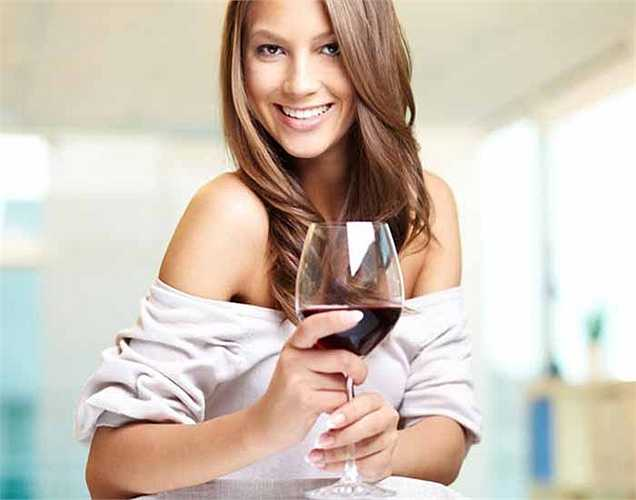 Rượu ngấm vào máu của bạn ngay sau khi bạn uống. Không có quá trình tiêu hóa trước đó.