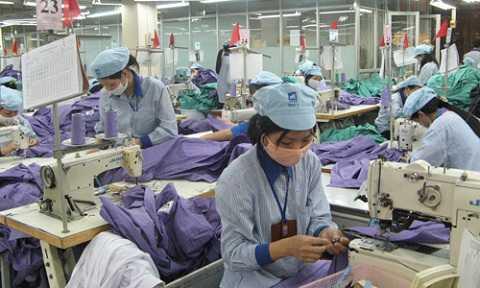 Ông Vũ Tiến Lộc cho hay mức tăng lương cần hợp lý để tránh cú sốc như Trung Quốc. (Ảnh minh họa)