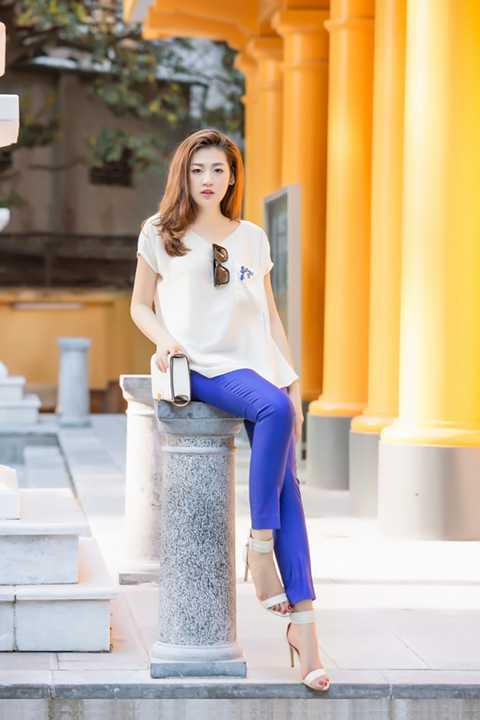 So với thời điểm mới đăng quang danh hiệu Á hậu 1 cuộc thi Hoa hậu Việt Nam 2012, Dương Tú Anh ngày càng quyến rũ hơn.