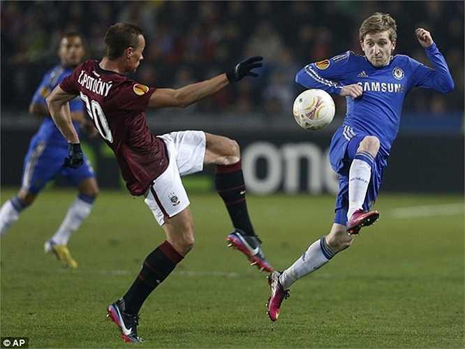 Trong mùa hè năm nay, Chelsea còn chứng kiến một cựu cầu thủ của họ, Marko Marin lưu lạc sang đội bóng mới. Tiền vệ người Đức chỉ đá 6 trận cho The Blues trong suốt 3 năm, dù có giá chuyển nhượng là 7 triệu bảng