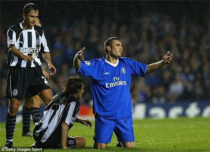 Adrian Mutu bị Chelsea thanh lý sớm hợp đồng vì những tệ nạn mà tiền đạo này mắc phải. Anh từng được mua về với giá 16 triệu bảng, nhưng chỉ thi đấu đúng 1 mùa rồi tự rút lui