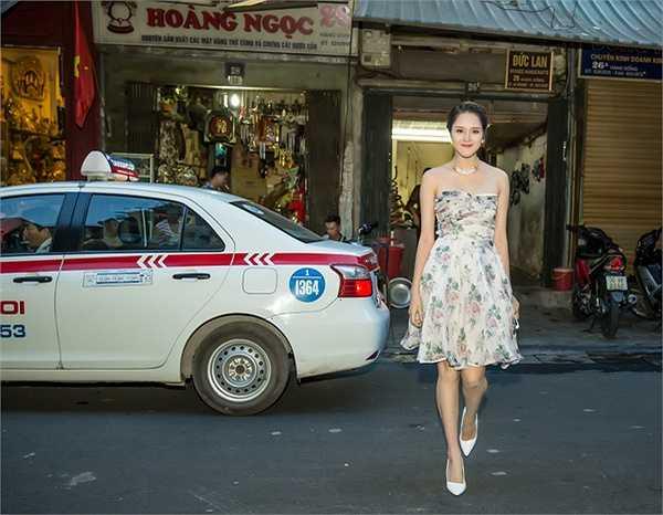 Buổi triễn lãm tranh và ảnh chụp 'Tôi có bạn' của 'thần đồng' Đỗ Nhật Nam và 'Picasso của Việt Nam' Vũ Tuấn Kiệt đã khai mạc tại Hà Nội.