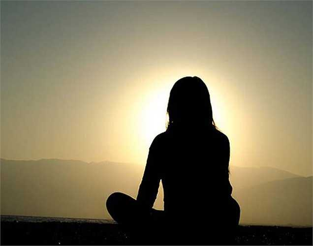 Trung hòa: Nếu tâm trí chứa đầy những suy nghĩ không cần thiết, sẽ làm tiêu hao năng lượng làm bạn dễ nản lòng và mệt mỏi. Vì vậy, nên chuyển từ trạng thái hỗn độn sang trạng thái an bình, giúp thư giãn, tăng cảm xúc tích cực và giảm bệnh trầm cảm.