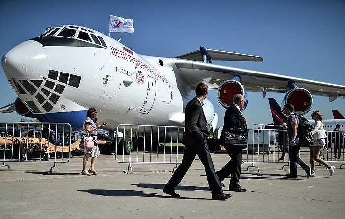 Máy bay vận tải hạng nặng Ilyushin Il-76MDK