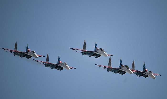 Triển lãm MAKS-2015 giới thiệu 119 máy bay, nhiều máy bay trong số đó đã trở thành huyền thoại, chẳng hạn máy bay siêu âm Tu-144 và Tu-155