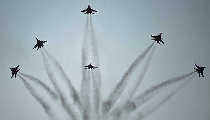 5 đội bay của Nga cũng tham gia trình diễn