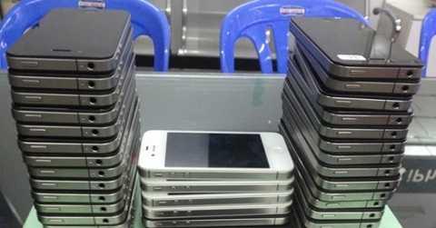 Những chiếc iPhone được làm giả bằng câu dây đồng