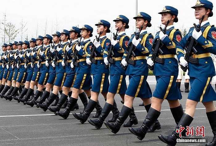Đây là lần đầu tiên nữ quân nhân Trung Quốc tham gia diễu binh