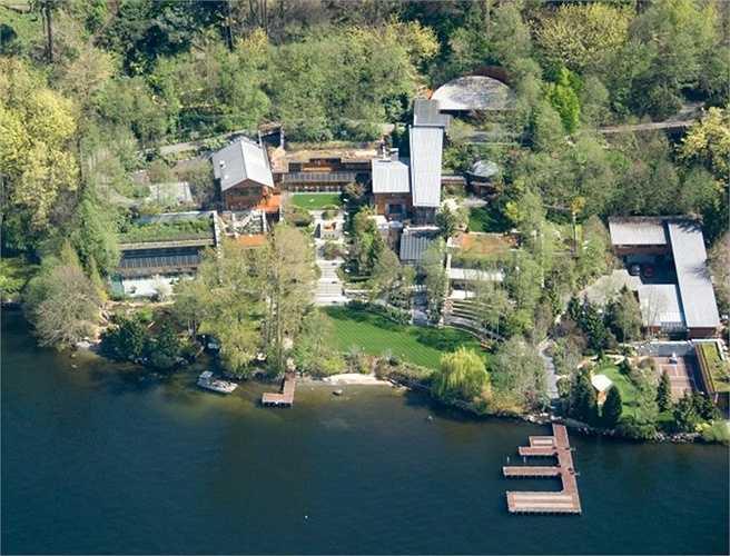 Xanadu là ngôi nhà ở Medina Washington nơi tỉ phú Bill và Melinda Gates sinh sống. Ngôi nhà được trang bị mọi tiện nghi có thể thay đổi theo sở thích của chủ nhân và hồ bơi có hệ thống âm nhạc dưới nước.