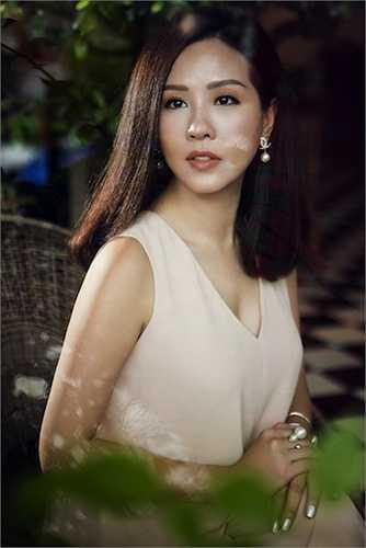 Vốn là cái tên được nhắc đến nhiều trong truyền thông tiêu biểu cho hình ảnh người phụ nữ xinh đẹp và thành đạt, Hoa hậu Thu Hoài ngày càng chứng minh được tài năng và sắc đẹp của mình tiêu biểu cho người phụ nữ hiện đại.