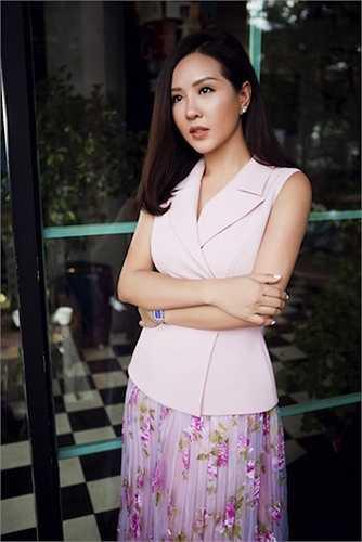 Mặc dù bận rộn nhưng với Hoa hậu Thu Hoài gia đình vẫn là quan trọng nhất và là động lực, nền tảng để cô luôn làm việc hiệu quả nhất.