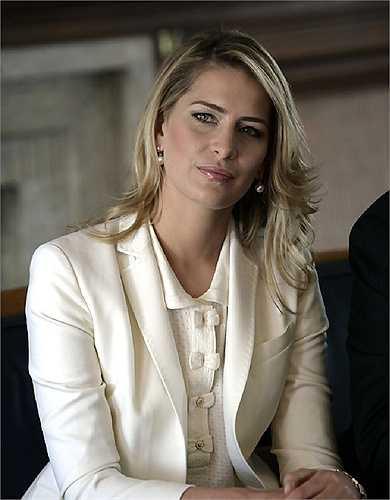 Tatiana Blatnik chính thức trở thành công chúa khi kết hôn với hoàng tử Nikolaos con đức vua Hy Lạp và hoàng hậu Đan Mạch. Hai người gặp nhau lần đầu vào năm 2003 trong một chuyến đi chơi trượt tuyết thông qua một người bạn chung. Tatiana thực sự là một người phụ nữ đặc biệt bởi trước đó hoàng tử Nikolaos chưa hề động lòng với bất kì cô gái nào.