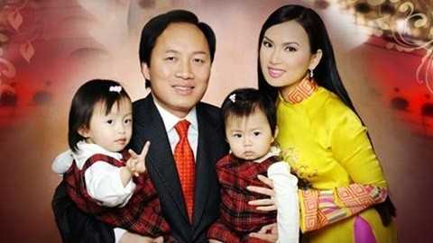 Bức hình hiếm hoi đầy đủ cả gia đình Hà Phương.