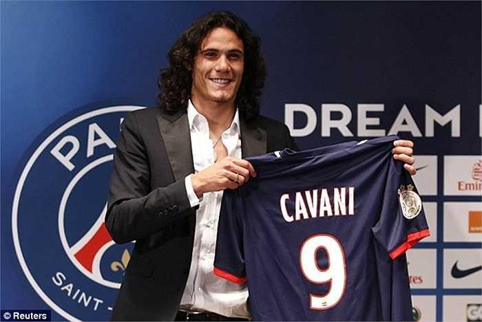 Cavani đến PSG năm 2013 khi đang là vua phá lưới Serie A. Giá của anh cũng không hề rẻ 55 triệu bảng