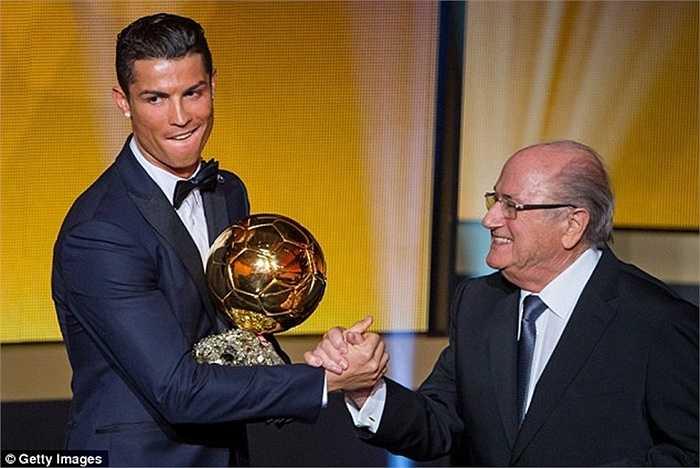 Trong 6 năm ở Bernabeu, Ronaldo giành thêm 2 Quả bóng vàng, vô địch Champions League 1 lần, và đạt hiệu suất ghi bàn cực khủng hơn 1 bàn/trận. CR7 hiện được coi là 1 huyền thoại ở Bernabeu