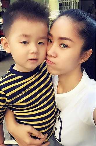 Sau chuyện ly hôn ồn ào với Quách Ngọc Ngoan, Lê Phương một mình nuôi con và đi diễn.