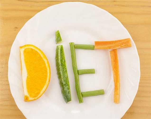 Không ăn tinh bột: Tinh bột trong chế độ ăn cung cấp năng lượng cho bạn. Khi bạn bỏ qua tinh bột bạn trở nên ốm yếu và mệt mỏi, không tốt cho sức khỏe của bạn.