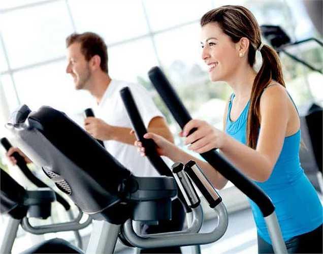 Tập thể dục quá mức: tập thể dục quá nhiều và ăn quá nhiều không phải cách giảm cân đúng. Hãy suy nghĩ thông minh bằng cách chọn đúng loại thực phẩm và tập thể dục trong một giờ hoặc nửa giờ để giúp bạn giảm cân.