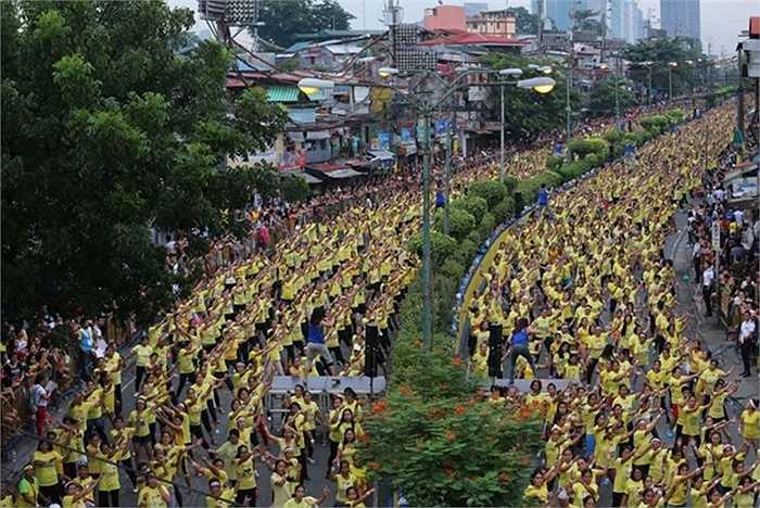Lớp nhảy zumba đông nhất thế giới ở Mandaluyong, Philippines 19/7/2015